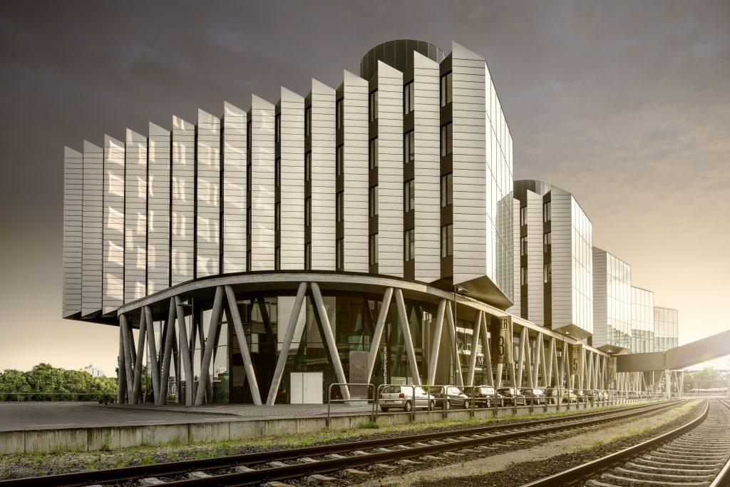 westhafen_pier_exxterior02_medium